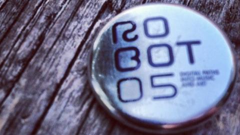 Image di: roBOt Festival 05