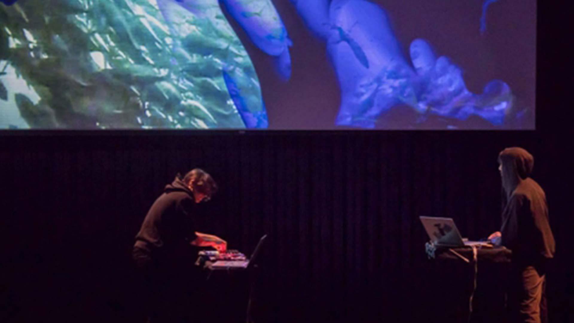 Visuales para artes escénicas. Mapping, interactivos y performance audiovisual.