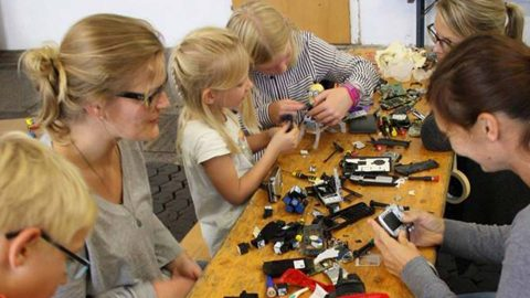 Image di: White Noise,  miniRobot Kinder Workshop
